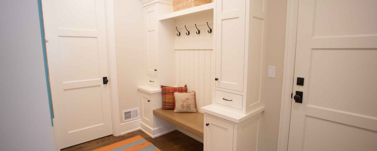 Paint Grade Maple, White, Built-in, Mud Room